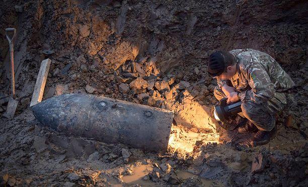 Pommi painaa noin 250 kiloa.