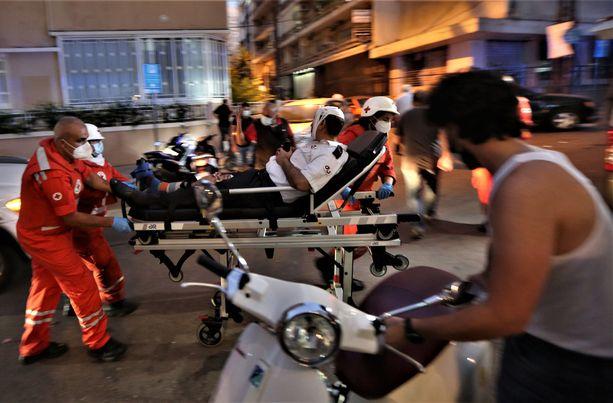 Beirutin räjähdyksessä on kuollut kymmeniä ja loukkaantunut tuhansia ihmisiä.