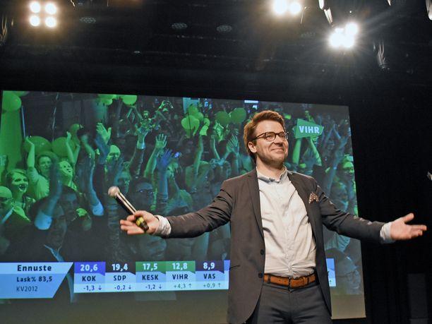 Vihreiden tuolloin puheenjohtaja Ville Niinistö puolueen vaalivalvojaisissa Tavastia-klubilla huhtikuussa 2017. Vihreät keräsi kuntavaaleissa 12,5 prosentin kannatuksen