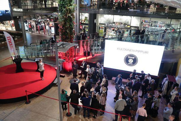 Tilaisuus pidettiin kauppakeskus Sellossa Espoossa.