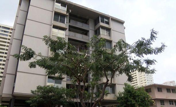 Karmiva löytö tehtiin kuudennessa kerroksessa sijaitsevasta asunnosta Waikikin rantakaupunginosassa Honolulussa Havaijilla.
