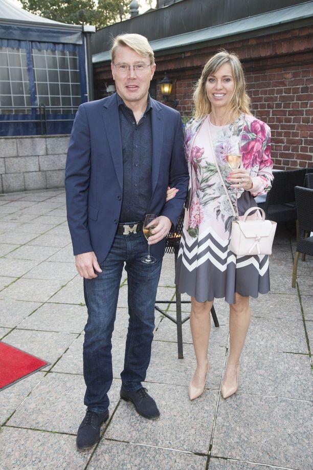 Mika ja Marketta Häkkinen ottivat juhlavieraat vastaan Ravintola Sipulissa.