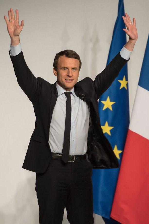 Emmanuel Macronin on ennustettu voittavan Marine Le Pen 60,5 prosentilla äänistä.