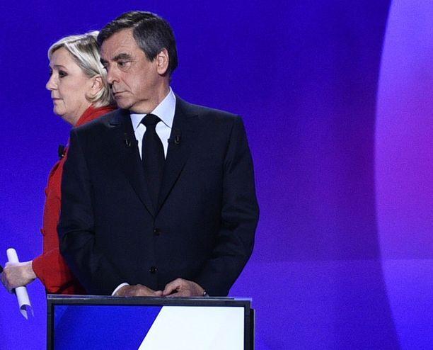 Marine Le Pen ja Francois Fillon hyöytyvät.