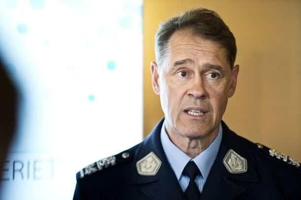 Poliisiylijohtaja Seppo Kolehmainen on myöntänyt, että kun henkilöstön jaksaminen on viety äärimmilleen, vaarana on, että kansalaisten luottamus poliisiin rakoilee.
