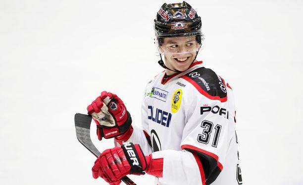 Jesperi Kotkaniemellä on pelisuoritustensa ansiosta aihetta hymyyn.