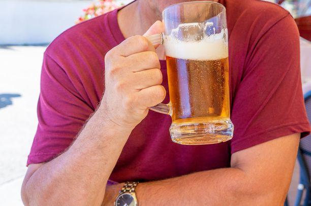 Pienikin määrä alkoholia voi saada aikaan eteisvärinäkohtauksen eli flimmerin.