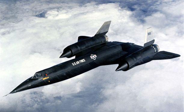 Vakoilulento oli määrä lentää A-12 Oxcart -tiedustelukoneella. Varmaa tietoa lennon toteutumisesta ei ole.