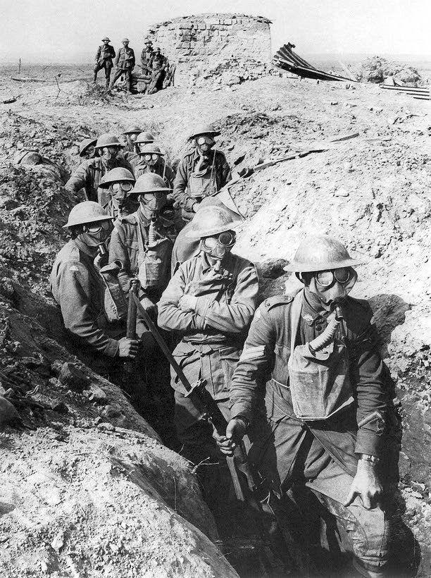 Sotaa käytiin mutaisille pelloille rakennetuissa juoksuhaudoissa.