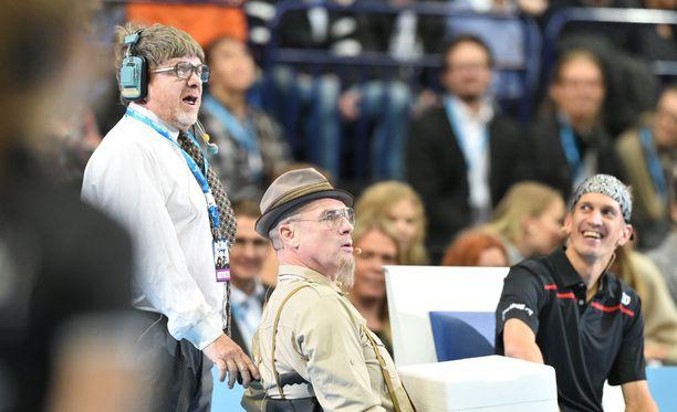 Mauno Ahonen ja Jukka Emil Vanaja hämmensivät maanantaina Jarkko Niemisen Final Night -illassa.