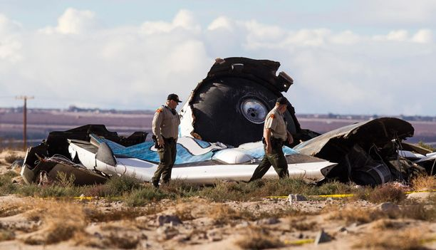 Virgin Galacticin alus SpaceShipTwo putosi Mojaven autiomaahan perjantaina.