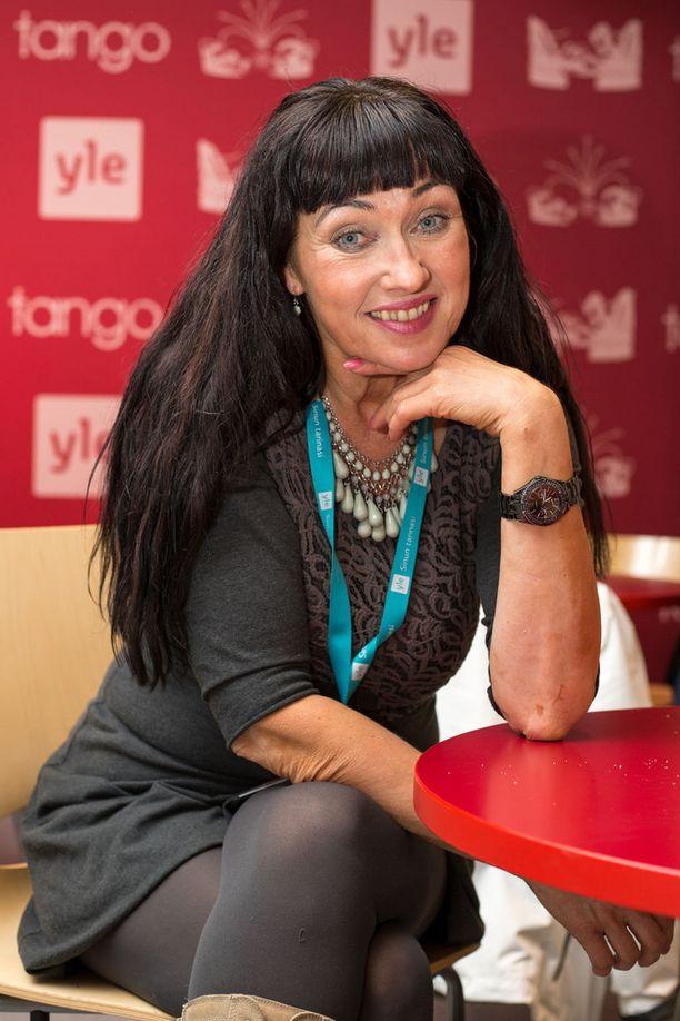 20 vuotta sitten tangokuningattareksi kruunattu laulaja Saija Varjus palasi tällä viikolla Seinäjoen Tangomarkkinoille.