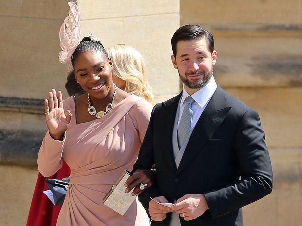 Serena Williams ja hänen miehensä Alexis Ohanian ossallsituivat prinssi Harryn ja Meghanin häihin viime vuoden toukokuussa.