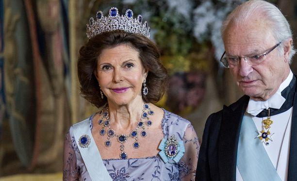 Kuningatar Silvialla on aihetta juhlaan joulun lisäksi myös syntymäpäivän vuoksi.