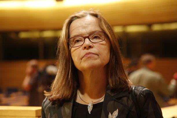 Päivi Nerg, 61, työskentelee tällä hetkellä valtiovarainministeriön hallintopolitiikan alivaltiosihteerinä. Vuosina 2012–2017 hän toimi Suomen sisäministeriön kansliapäällikkönä. Ennen sisäministeriötä Nerg työskenteli valtiovarainministeriön hallinto- ja kehitysjohtajana.
