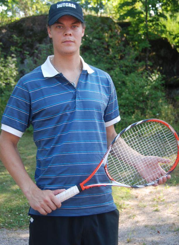 Tuukka Rask osaa lätkän ohella myös tenniksen salat.