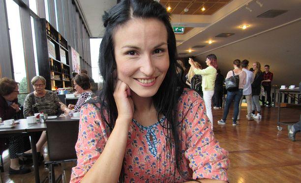 Maria Lund joutui keskeyttämään näytöksen sairauskohtauksen vuoksi.
