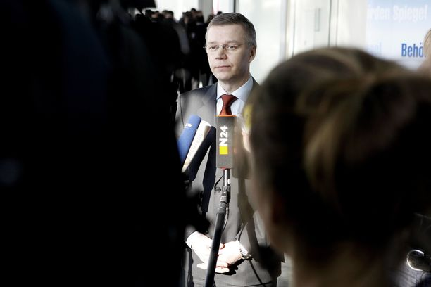 Ilkka Laitinen aloitti Rajavartiolaitoksen päällikkönä syyskuussa 2018. Hän toimi EU:n rajaturvallisuusvirasto Frontexin ensimmäisenä pääjohtajana vuosina 2005–2014.
