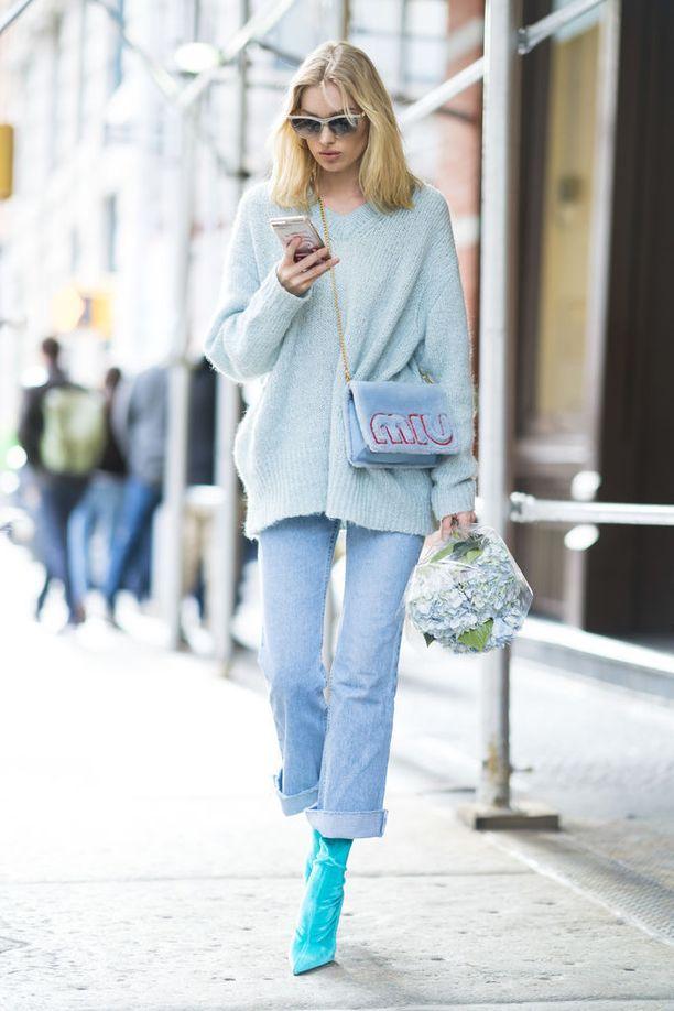 Elsa viihtyy vapaa-ajalla farkuissa. Vintage-Levikset ovat tyyli-ikonin vaatekaapin perusta.