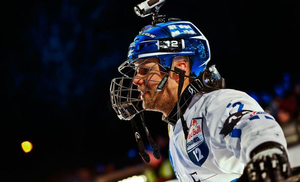 Miikka Jouhkimainen on yksi Suomen kärkijätkistä Laajiksen Crashed Ice -kisassa.