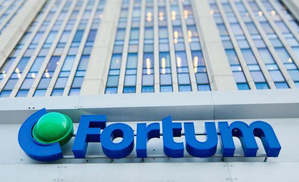 Gazprom ja Rosatom eivät kommentoineet Fortumin päätöstä lähteä mukaan Fennvoiman ydinvoimahankkeeseen.