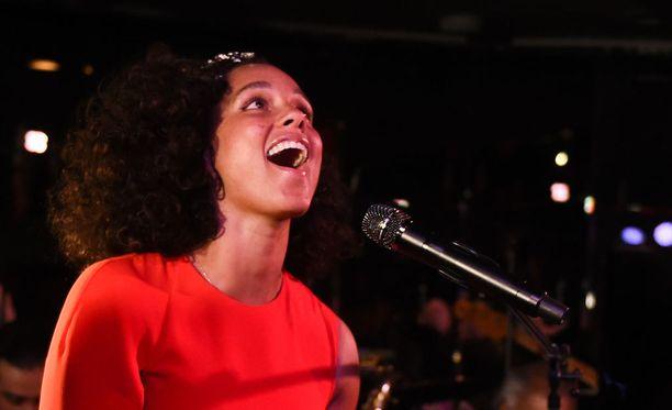 Alicia Keys esiintyi joulukuussa New Yorkin kuuluisalla Cotton Clubilla.