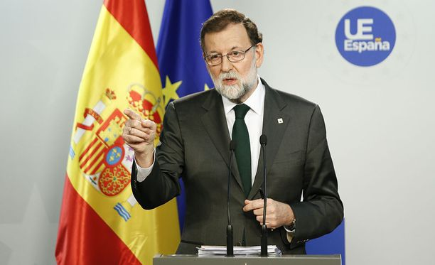 Espanjan hallitus ja pääministeri Mariano Rajoy haluavat eroon Katalonian aluehallinnon johtajasta Carles Puigdemontista.