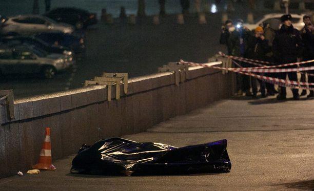 Boris Nemtsov murhattiin perjantai-iltana Moskovassa. Hänet ammuttiin kuoliaaksi sillalle.