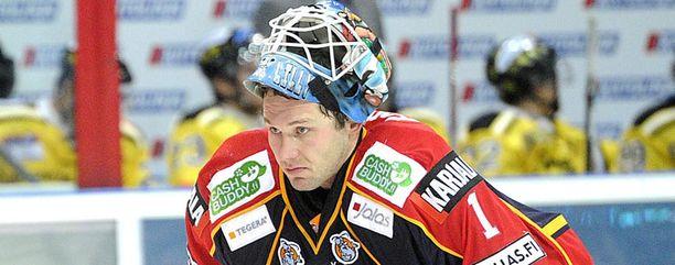 Jan Lasak odottaa ulkoilmapelistä tuliaisiksi pisteitä.