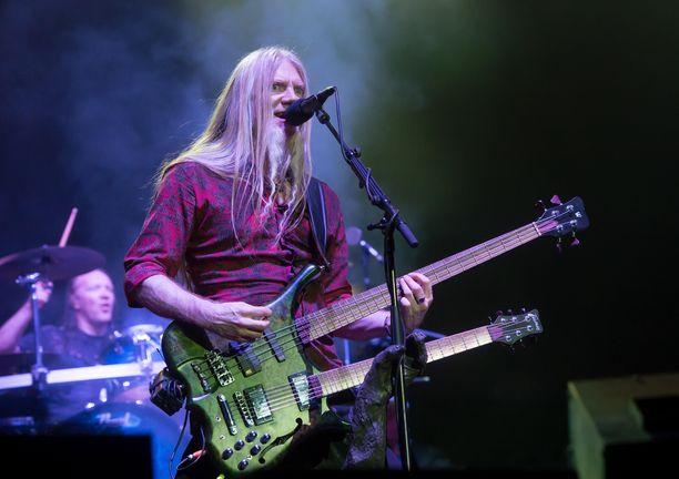 Marco Hietala on arvostettu metallimuusikko.
