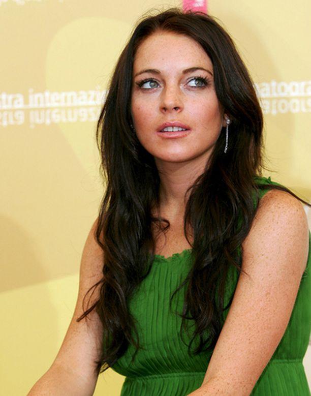 Lindsay Lohan pidätettiin tiistaina epäiltynä rattijuopumuksesta ja kokaiinin hallussapidosta.