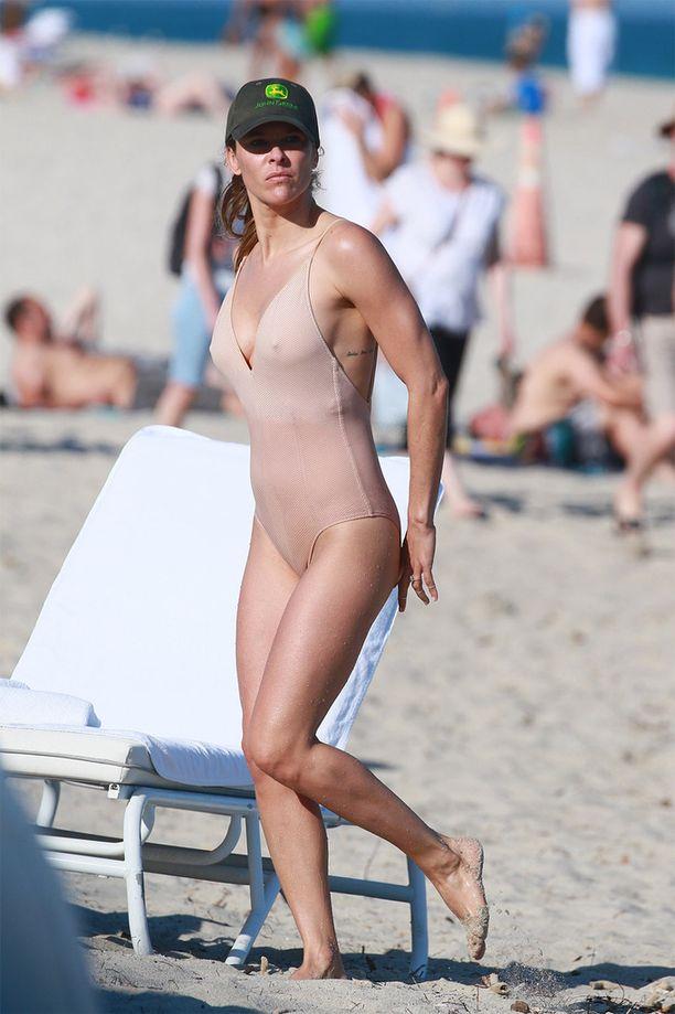Näyttelijä ja tv-juontaja Jill Wagner testasi nuden kokouikkarin toimivuuden.