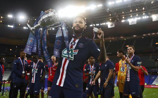 PSG valloitti jälleen Ranskan Cupin – Kylian Mbappé loukkaantui pahannäköisesti