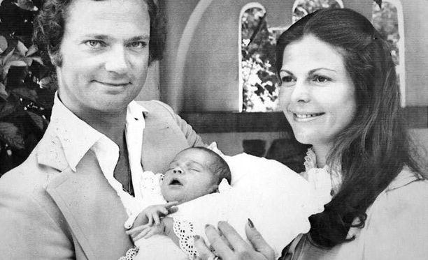 Victoria on Kaarle Kustaan ja Silvian esikoinen. Hän syntyi 14. heinäkuuta 1977.