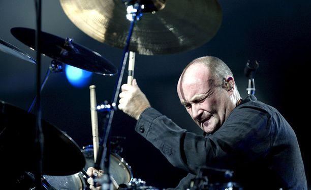 """Phil Collins yhdellä """"jäähyväiskeikallaan"""" vuonna 2005 Istanbulissa."""