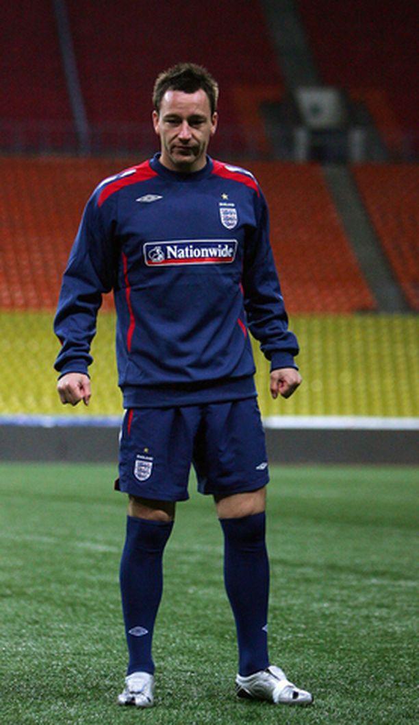 Chelsean kapteeni John Terry joutuu olemaan sivussa ainakin vielä kolme viikkoa.