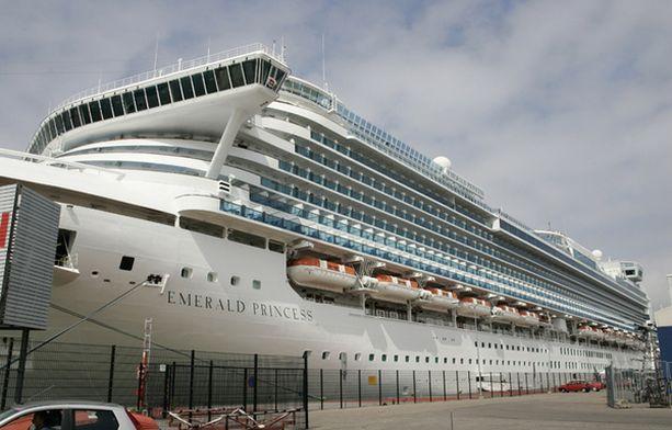 Edellisellä vierailulla aluksen henkilökunta ei kertonut sairastuneista.