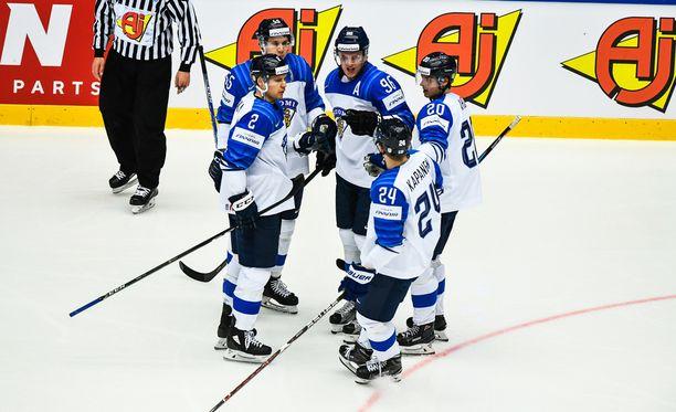 Suomi mittaa tasonsa Kanadaa vastaan.