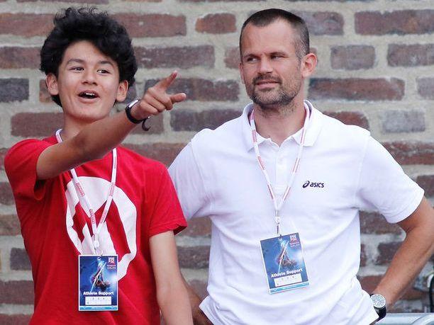 Melwin Lycke Holm (vas.) tekee kovaa tulosta myös pituushypyssä. Isä Stefan Holm on korkeushypyn olympiavoittaja.