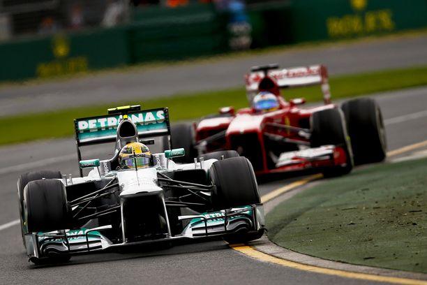 Hamiltonin ensimmäinen kausi Mersulla ei ollut vielä jättipotti. Viitteitä paremmasta oli kuitenkin luvassa.