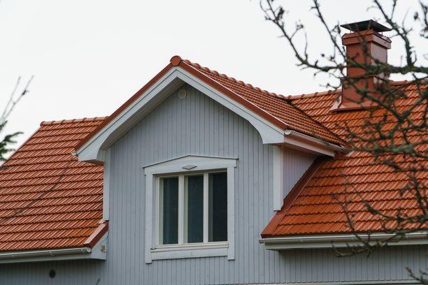 Keskikesällä voi olla jo myöhäistä löytää tekijää kattoremontille.