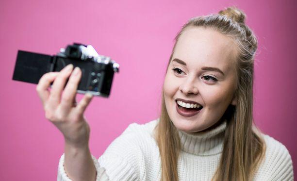 Mmiisas on suosittu videobloggaaja.