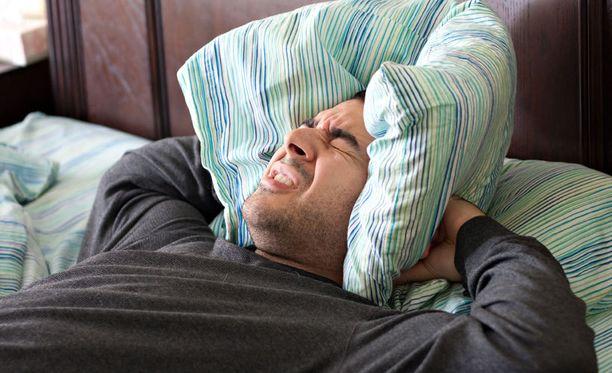 Jos huomaat kärsiväsi elämäsi pahimmasta päänsärystä, hakeudu välittömästi lääkäriin.