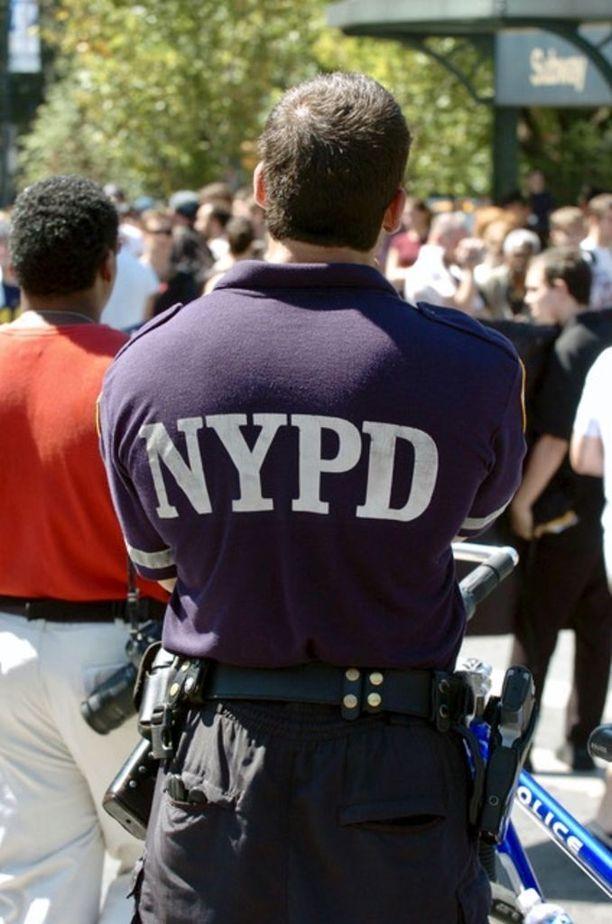New Yorkissa mustilla ja latinoilla on yhdeksänkertainen todennäköisyys joutua poliisin pysäyttämäksi kuin valkoisilla.