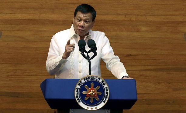 Presidentti Rodrigo Duterten olinpaikka ammuskeluhetkellä ei ollut heti selvillä.