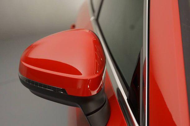 Aero- ja meluoptimoidun peilin ja korin väliin jää tila ilmalle kulkea koria nuollen. Aerodynamiikkaoptimointia tämäkin.