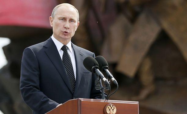 Vladimir Putinin hallinto on heikko, eikä se pysty tekemään tarvittavia talouspäätöksiä, Lappeenrannan teknillisen yliopiston professori Pekka Sutela sanoo.