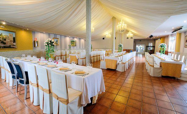 Ravintolassa järjestetään usein häitä.