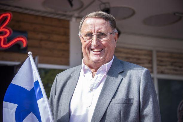 Curt Lindströmillä on Ruotsin passi taskussa, mutta Suomi sydämessä.