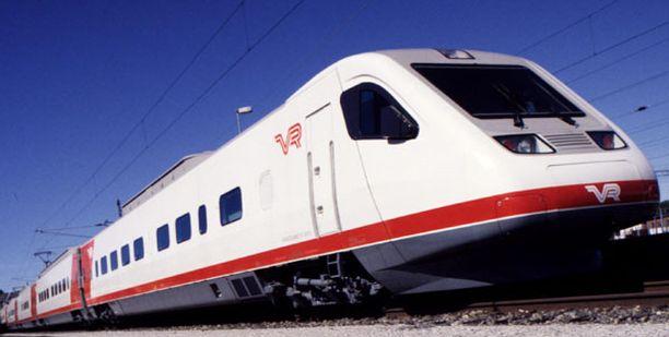 Kaikki kaukoliikenteen junat voivat taas lähteä ja saapua normaalisti Helsinkiin.